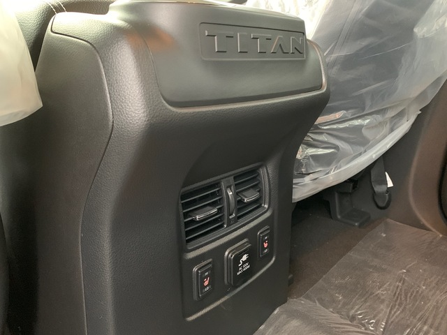 2018 Nissan Titan (56863)