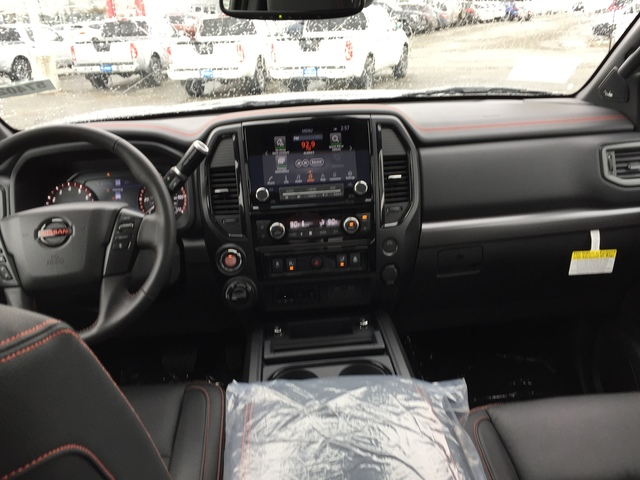2020 Nissan Titan (57402)