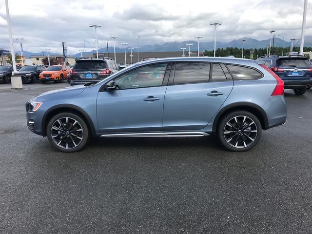 2017 Volvo V60 Cross Country (63910)