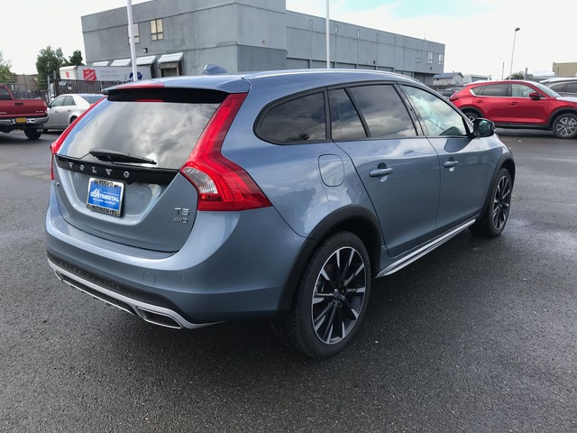 2017 Volvo V60 Cross Country (63910)
