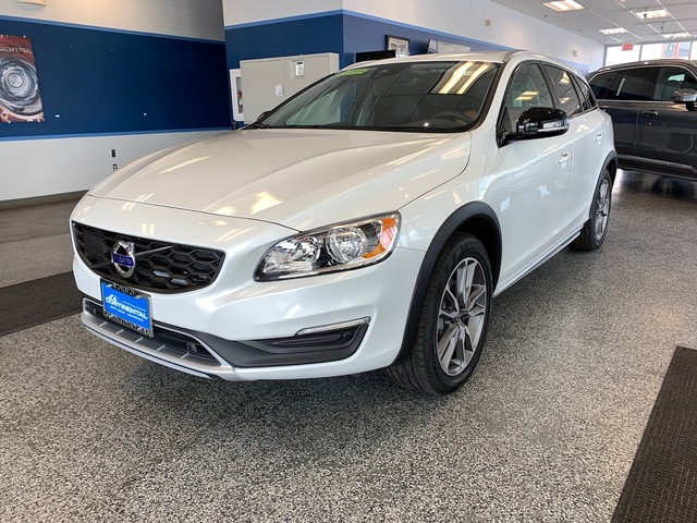 2018 Volvo V60 Cross Country 64100