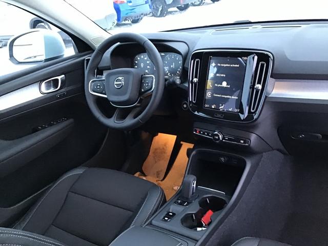 2020 Volvo XC40 (68372)