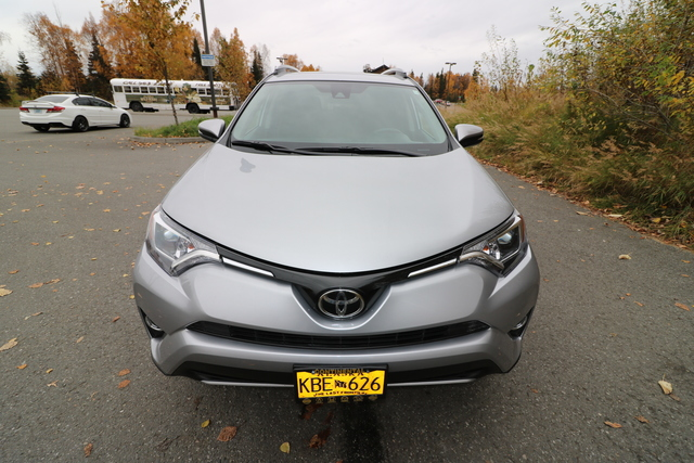 2017 Toyota RAV4 (U11418)