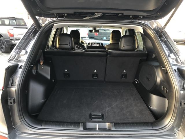 2019 Jeep Cherokee (U11549)