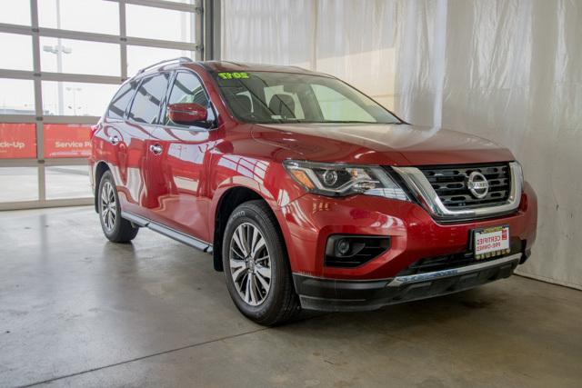 2017 Nissan Pathfinder U1902