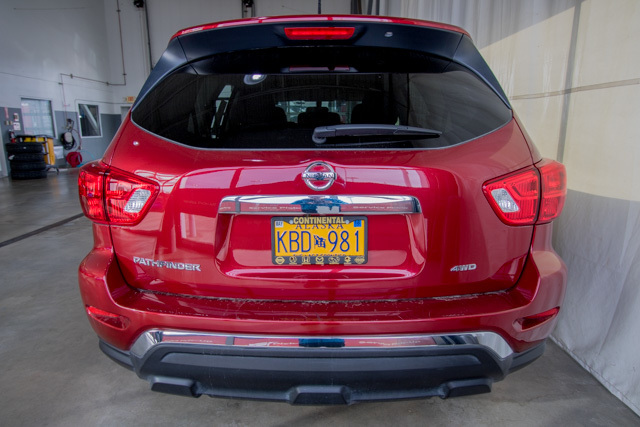2017 Nissan Pathfinder (U1902)