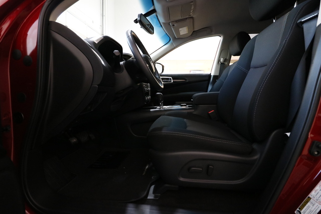 2017 Nissan Pathfinder (U1909)