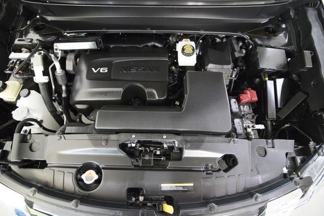 2017 Nissan Pathfinder (U1929)
