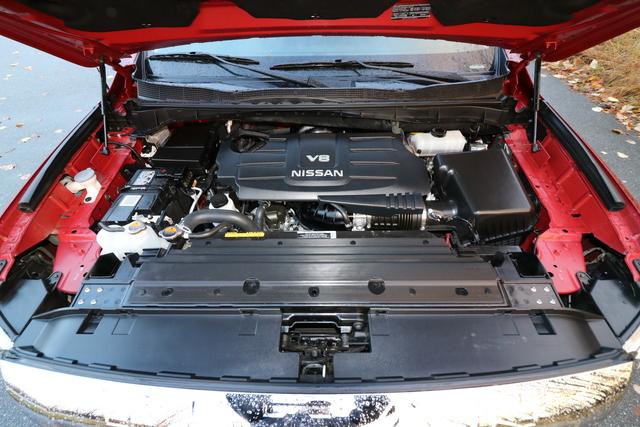 2017 Nissan Titan (U1989)