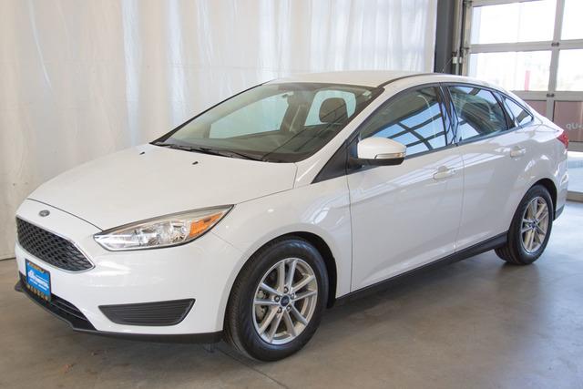 2016 Ford Focus (U4886)