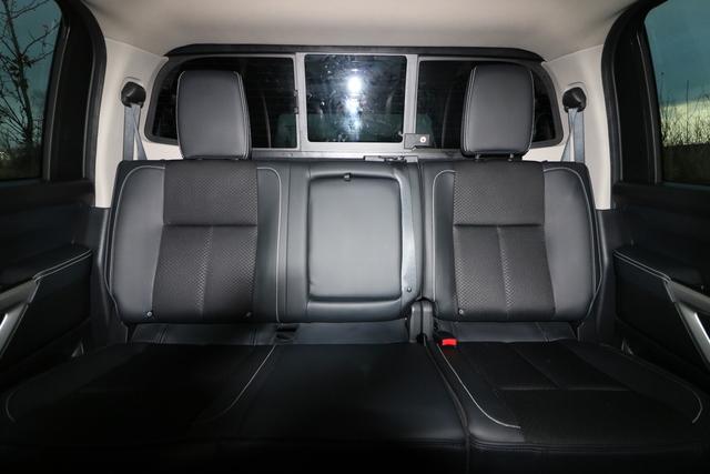 2017 Nissan Titan (U56834-1)