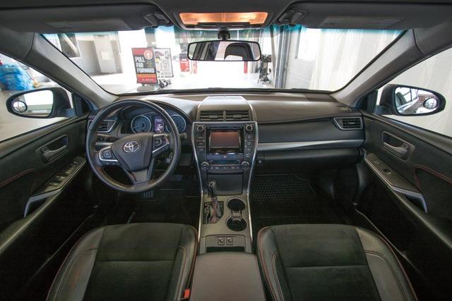 2015 Toyota Camry (U63845-1)