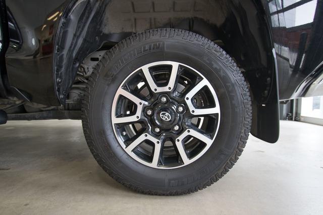 2016 Toyota Tundra 4WD Truck (U63851-1)