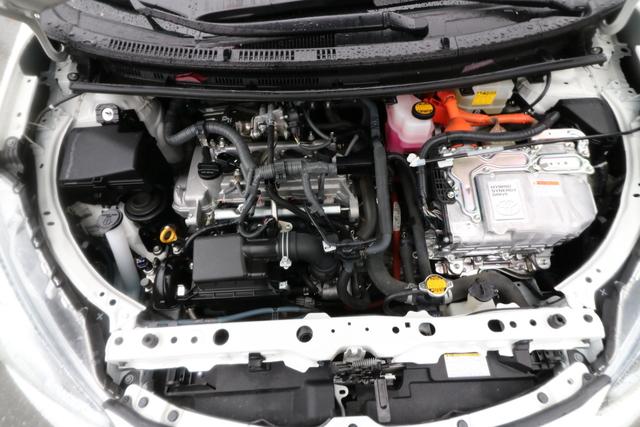 2015 Toyota Prius c (U66061-1)