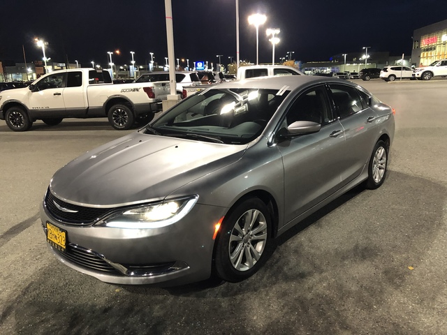 2016 Chrysler 200 U66280-1