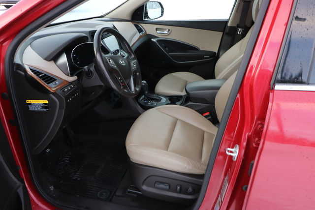 2015 Hyundai Santa Fe (U66358-1)
