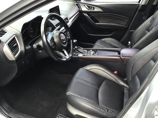 2017 Mazda Mazda3 4-Door (U70185-1)